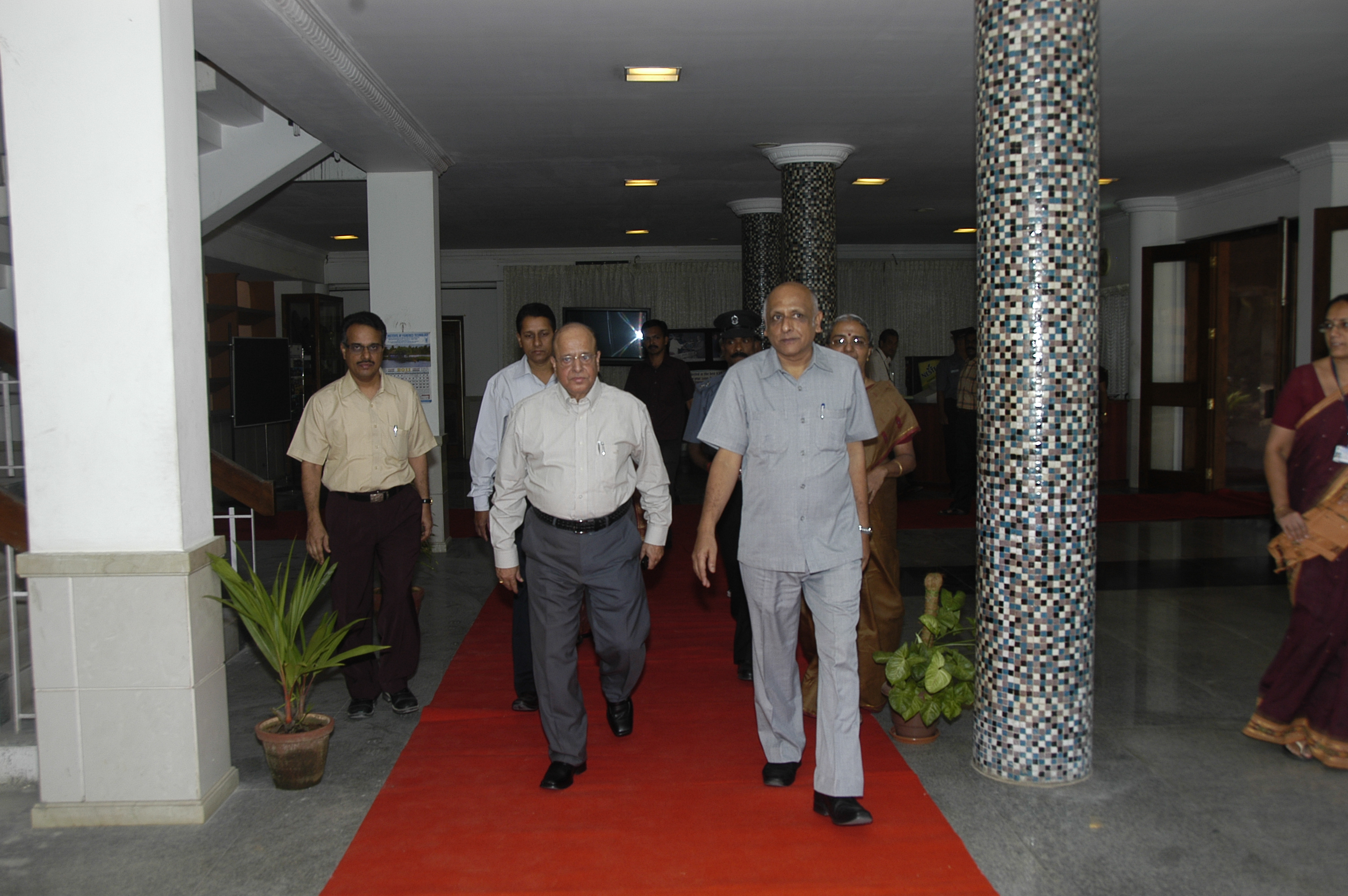 Dr. Kasturirangan, Eminent Scientist and Member, Planning Commission Visits CIFT